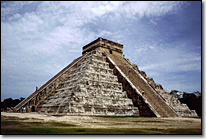 El Castillo in Chichen-Itza (Mexiko)